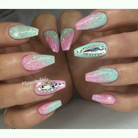 DeeDee Nails