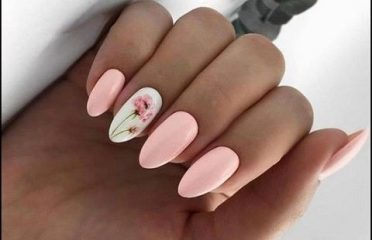 Rozѐ – Nails & Lashes