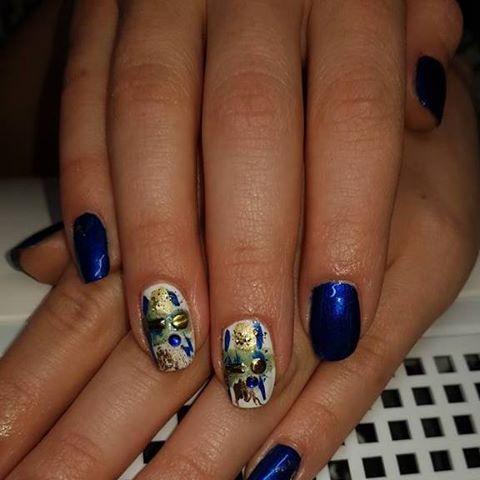 Sisi art nails
