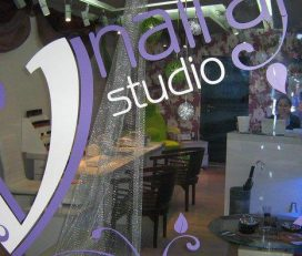 V NAIL ART Studio